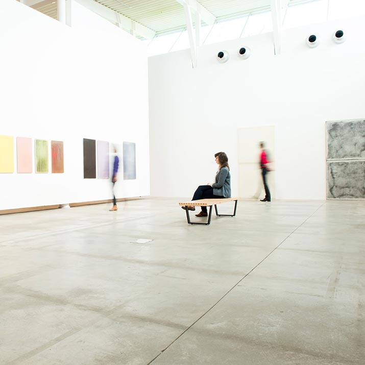 media-studies-student-in-belkin-art-gallery